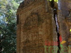 Prasat Yeai Poeun-Kampong Thom